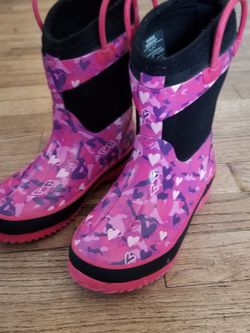 Snow/Rain Boots for Girls for Sale in Des Moines,  WA