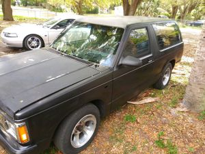 Chevy Blazer '85 for Sale in Tampa, FL