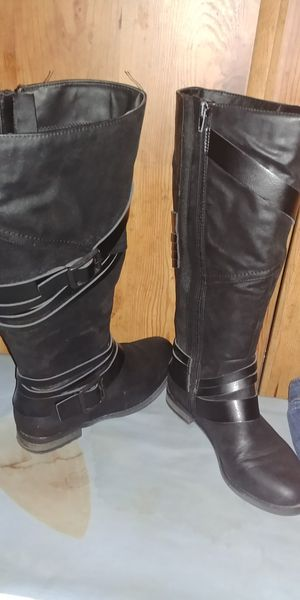 Women Boots / botas (zize 7w) for Sale in Stockton, CA