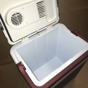 Koolatron P25, 12V Portable Electric Cooler (26 Quarts/24 Liters) 31 Cans Capacity - Iceless Thermoelectric Technology, Gray for Sale in Las Vegas, NV