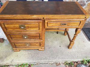 Desk for Sale in Peachtree Corners, GA