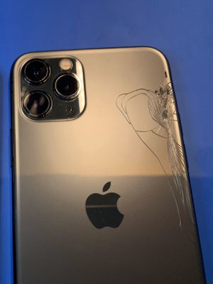 Selling for parts only - iPhone 11 pro for Sale in San Francisco, CA