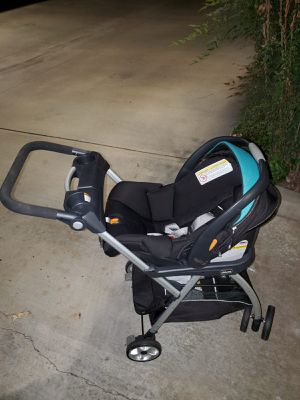 KeyFit 30 Infant Car Seat Chicco, base and stroller for Sale in Lynwood, CA