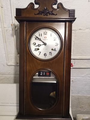 Nice clock works great for Sale in Cleveland, OH