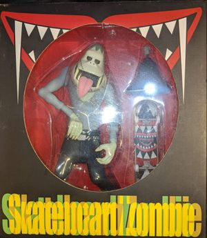 Plasticcapt Skateboard Zombie for Sale in Los Angeles, CA