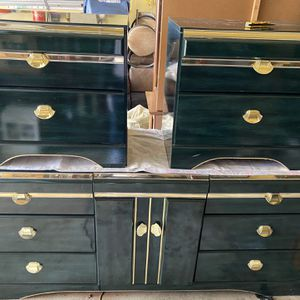 Dresser for Sale in Carol Stream, IL