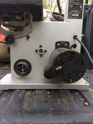 Craftsman 9 inch band saw for Sale in Medway, MA