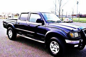 ֆ14OO 4WD Toyota Tacoma 4WD for Sale in Huron Charter Township, MI