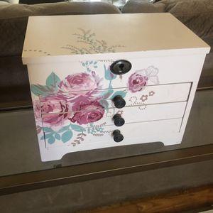 Jewelry box for Sale in Farmington, CT