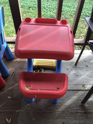 Kids desk for Sale in Arlington, TX