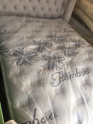 Queen mattress pillow top organic cotton bamboo 20 years warranty new for Sale in Long Beach, CA