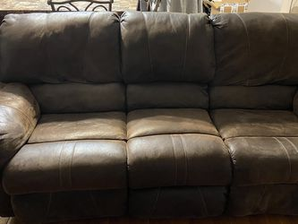 Living Room Recliner Sofa for Sale in Woonsocket,  RI
