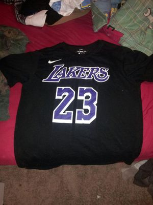 Lebron jersey size L for Sale in Raleigh, NC