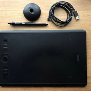 Wacom Intuos Pro Medium for Sale in Fort Thomas, KY