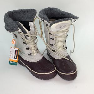 Women's Snow Boots - Sporto Korrie Waterproof Winter Duck Boots Size 9W for Sale in Tustin, CA
