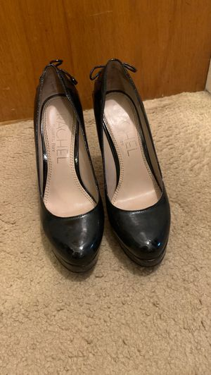 """Black pumps size 7. Brand Rachel Roy. Platform and 3 1/2"""" heel for Sale in Inglewood, CA"""
