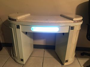 Nail table with UV light for Sale in North Royalton, OH
