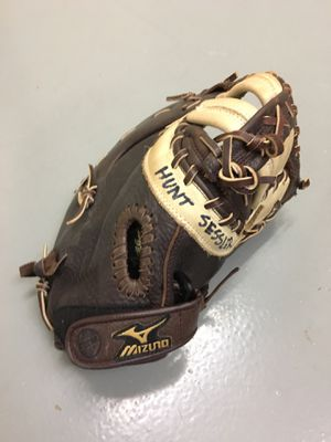 First baseman's mitt for Sale in Atlanta, GA
