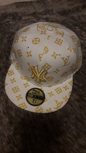 Louis Vuitton Fitted Hat, Rare. Excellent Condition for Sale in Denver, CO