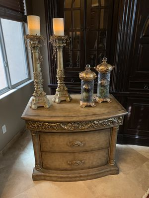 Gorgeous Nightstand or Console Table or Accent Table for Sale in Phoenix, AZ