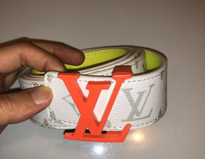 Unisex LV belt sz M ( sz 32/34 waist ) excellent! No trades ! for Sale in Silver Spring, MD