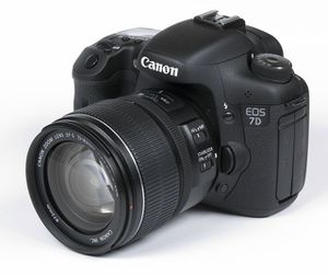 Canon 7D and Canon 15-85mm f/3.5 for Sale in Las Vegas, NV