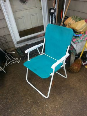 Nice fold up chair for Sale in Glen Burnie, MD