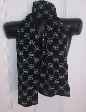 "Michael Michael Kors Scarf Black Gray Logo Printed Rectangle Knit Long. Size 60"" X 9"" for Sale in El Paso, TX"