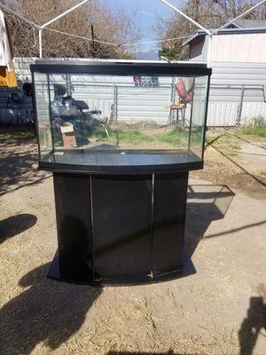 47 Gallon Fish Tank/ Aquarium for Sale in San Bernardino, CA