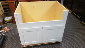 36 inch shaker style farmhouse sink kitchen cabinet base for Sale in Lewisville, TX