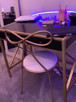 Pottery Barn Desk And Chair Set for Sale in Rockville Centre,  NY