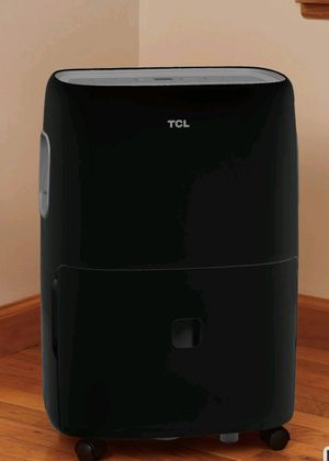 70 pint TCL dehumidifier with pump for Sale in Wytheville, VA