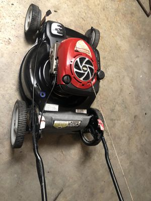 Crafsman platinum gold lawn mower in excellent condition self propel works perfect for Sale in Miramar, FL