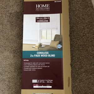 """Faux Wood 2"""" Window Blind for Sale in Hilliard, OH"""