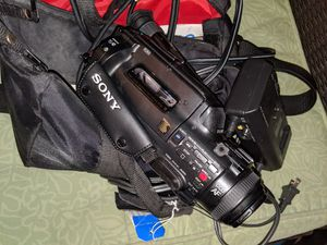 Sony Video Camera,Bag And All Accessories for Sale in Phoenix, AZ