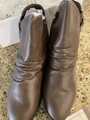 Women's Lila Fashion Ankle Boots size 9 for Sale in Azusa, CA