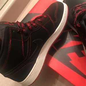 Air Jordan 1 Mid Fearless (GS) Size-7y for Sale in Oklahoma City, OK