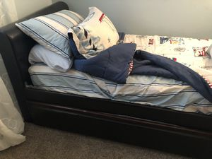 Daybed with trundle for Sale in Toms River, NJ