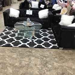 Black Sofa And Loveseat for Sale in Detroit,  MI