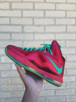 Lebron 10 Christmas for Sale in Skokie, IL