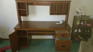 Computer Desk and Chair for Sale in Rancho Cucamonga, CA