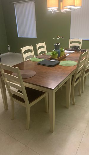 Like New Dining Room Table and Server for Sale in Miami Gardens, FL