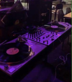 Technics 1200 w/mixer for Sale in St. Petersburg, FL