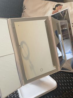 Makeup vanity Mirror for Sale in Dallas,  TX