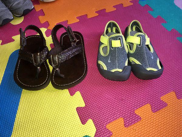 Toddler Boys sandals size 8