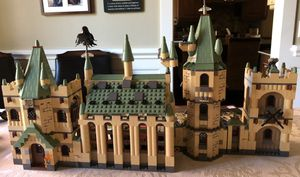 LEGO Harry Potter Hogwarts Castle Set 4842 (1290 pieces) for Sale in Lake Grove, OR