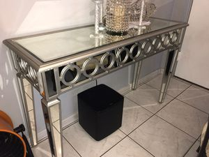 Console table for Sale in Hialeah, FL