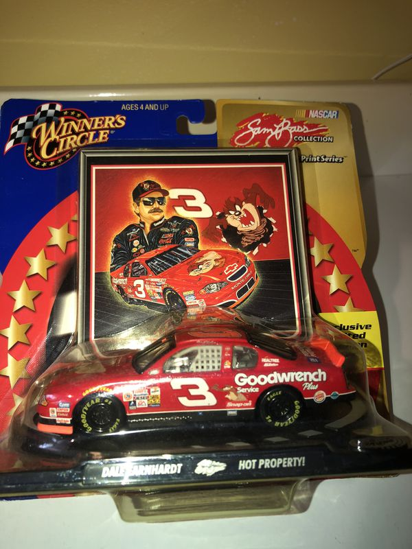 Collectible winners circle cars