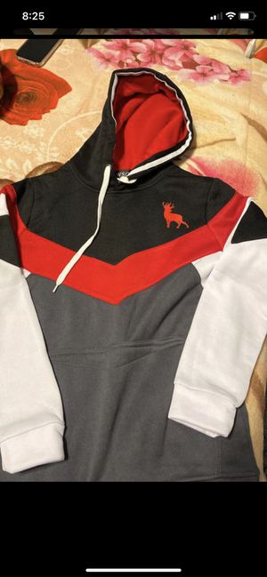 Sweater size medium for Sale in Culver City, CA