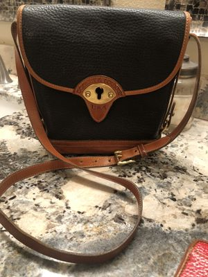 Dooney and bourke crossbody for Sale in Sachse, TX